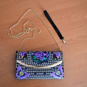 Современная модная женская сумка клатч с традиционной украинской вышивкой