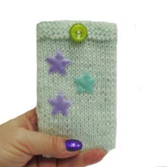Вязанный чехол для телефона ручной работы Звезды