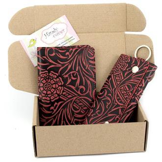 Подарочный набор №18 (бордовый): Обложка на паспорт, ключница Амелия