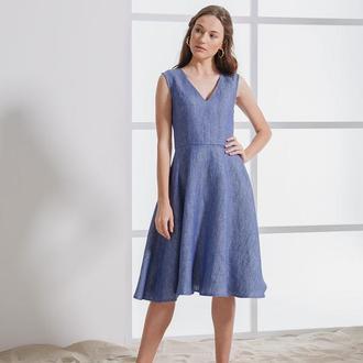Платье под джинс с V-образным вырезом