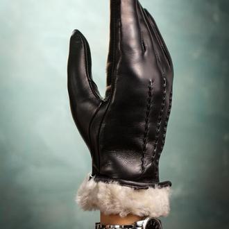 Кожаные перчатки на меховой подкладке