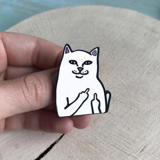 """Значок из дерева """"Котик с факом"""""""