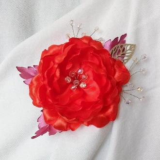 Брошь - ярко красная роза с декором из бусин и серебристым листиком