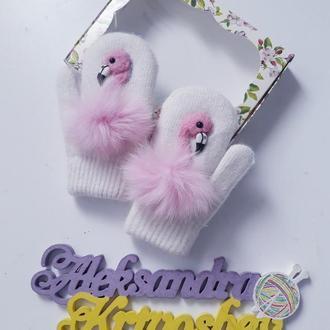 варежки с фламинго