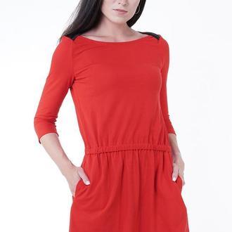 Трикотажное платье, приталенное