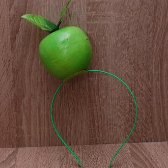 Обручи ободки с фруктами на праздник осени: банан, яблоко, укроп, картошка