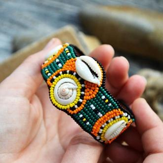 Яркий вышитый бисером браслет с ракушками, Браслет с каури, Бохо браслет в африканском стиле