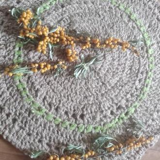 Вязаный круглый ковер из джутовой нити