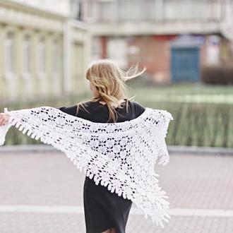 Роскошная белая ажурная шаль