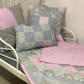 """Декоративне покривало та 3 подушки.Комплект""""LITTLE LADY"""" покривало+подушки."""