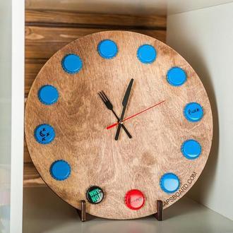 Настенные часы CAPS WATCH