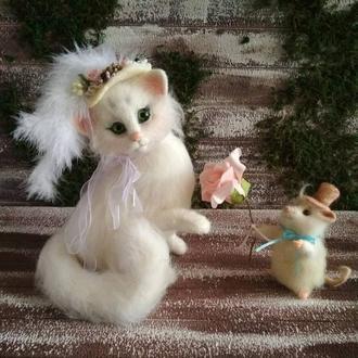 Кошка и мышь. Интерьерная игрушка из натуральной шерсти.