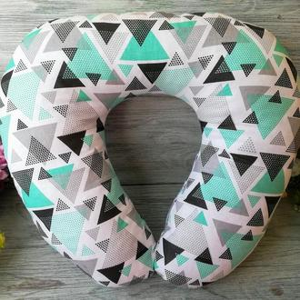 Автомобильная подушка мятные треугольники, 41 см * 34 см