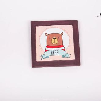 Гипсовой квадратный рисунок с Bear