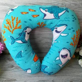 Автомобильная подушка веселые акулы, 41 см * 34 см
