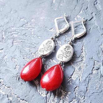 Сережки з коралами та срібними застібками і трояндами серьги с красными кораллами и розами