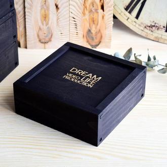 черная подарочная деревянная коробочка