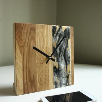 Настольные часы . Деревянные часы с епоксидной смолой. Часы для офиса