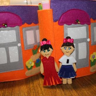 ляльковий будиночок з фетру, книга з фетру, іграшка-развивашка