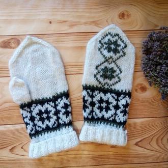 Варежки  с норвежским орнаментом и вышивкой