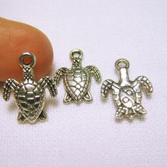 Небольшая миниатюрная подвеска черепаха античное серебро