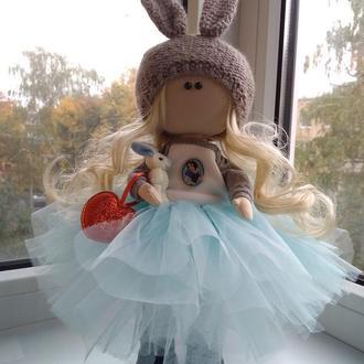 """Текстильна лялька """"Дівчинка у блакитному з зайчиком"""""""