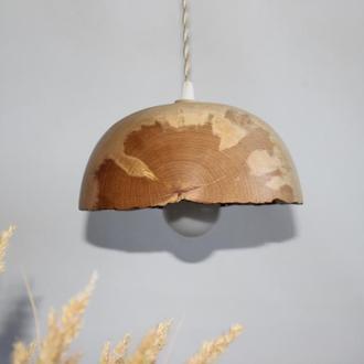 Люстра из дерева