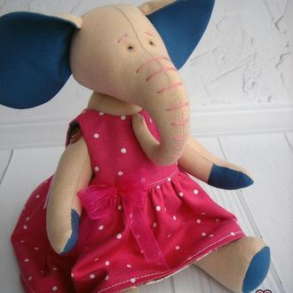 Слон, игрушка