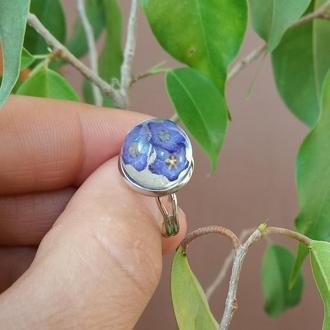 Каблучка з синіми квітами в ювелірній смолі