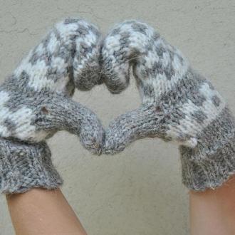 Вязаные перчатки из натуральной шерсти
