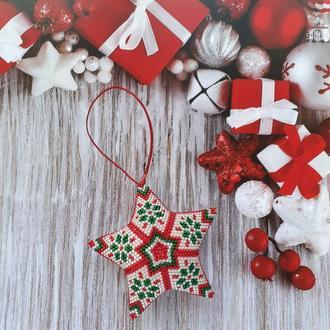 Новогодняя игрушка Звезда Снежинка из бисера