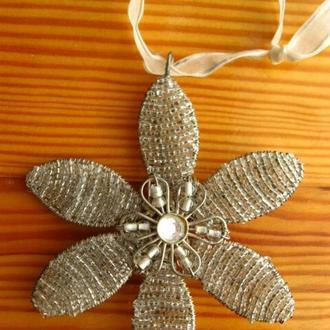 Цветок 10 + см из проволоки и бисера плетеный, декор интерьера, ёлочное украшение