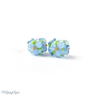 Цветы голубые на белом (бусины лэмпворк пара)