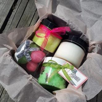 Подарочный набор скраб, кокосовое масло, бисер для ванны