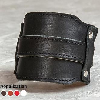 Черный футуристичный прошитый кожаный браслет код 6335ст