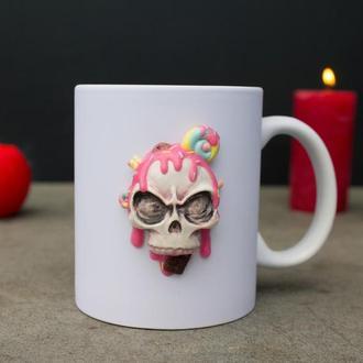 """Чашка с декором из полимерной глины """"Сладкий череп"""", чашка с черепом, подарок на хеллоуин"""