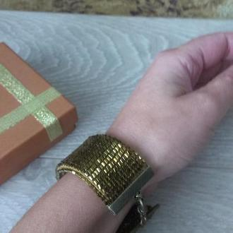 Браслет женский красивый модный цвета золото с красивой застежкой в античном стиле
