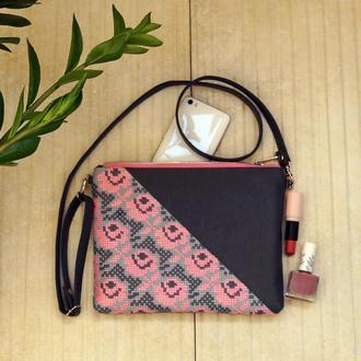 Серо-розовый клатч с  вышивкой розами, Эко кожа, Маленькая сумка через плечо