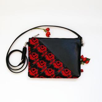 Черный клатч с  вышивкой розами, Эко кожа, Маленькая сумка через плечо