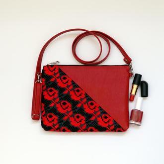 Красный клатч с  вышивкой розами, Эко кожа, Маленькая сумка через плечо