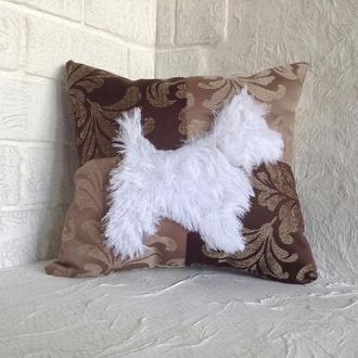 Подушка с меховой собакой. Для кровати/дивана.