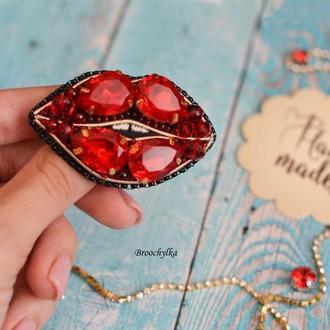 Брошь Red Lips