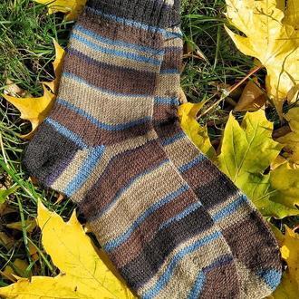 Вязаные теплые носки из носочной пряжи