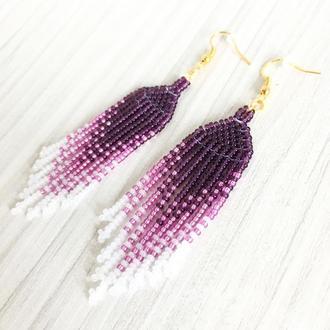 Фиолетовые серьги кисточки из бисера