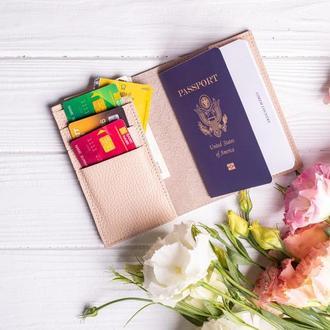 Обложка для паспорта с дополнительными отделения для карт от мастерской Hidemont