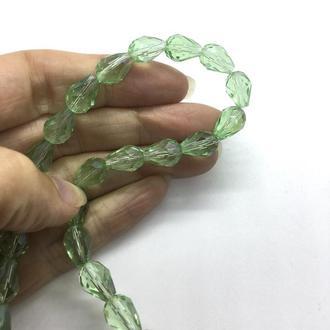 Бусина граненая капля 12 мм св-зеленая