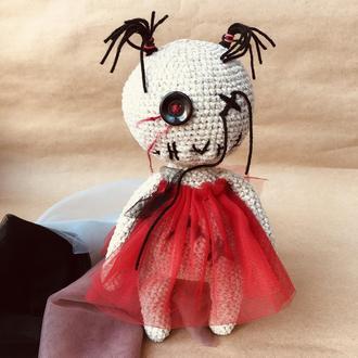 в'язана лялька