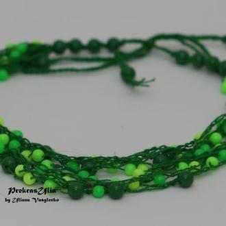 Зелене вязане намисто
