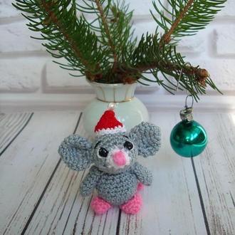 🍓 Мышонок вязаный. Детская игрушка-брелок мышь.Маленькая мышка-брелок на сумку, рюкзак, ключи.