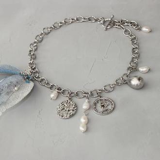 Чокер колье серебрянный из монет, жемчуга и вышитого цветка